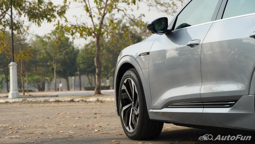 2020 Audi E Tron Sportback 55 quattro S line Exterior 042