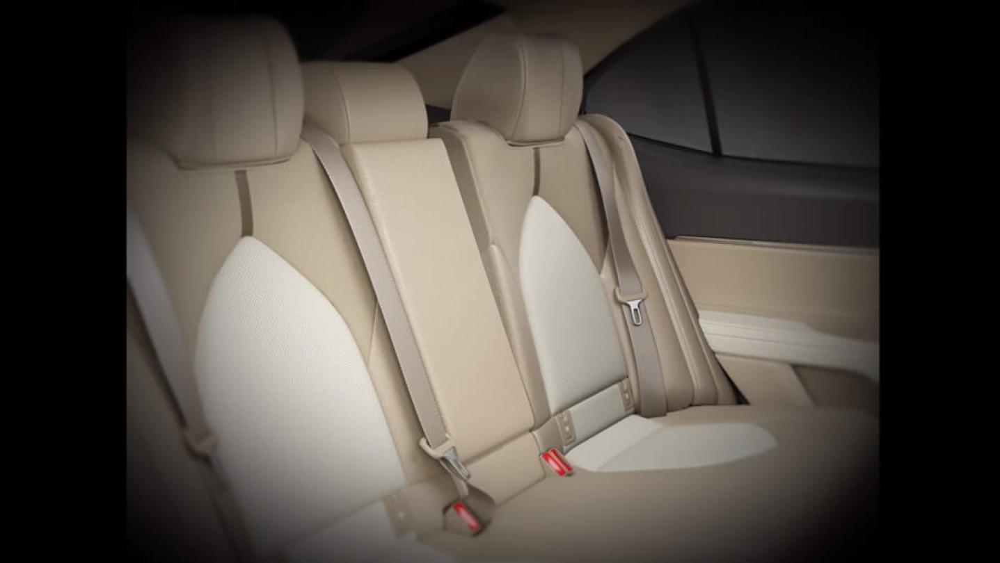 Toyota Camry Public 2020 Interior 007