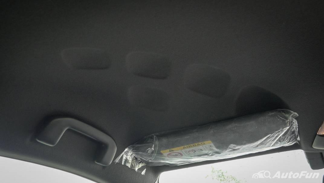 2021 Toyota C-HR Hybrid Premium Safety Interior 075