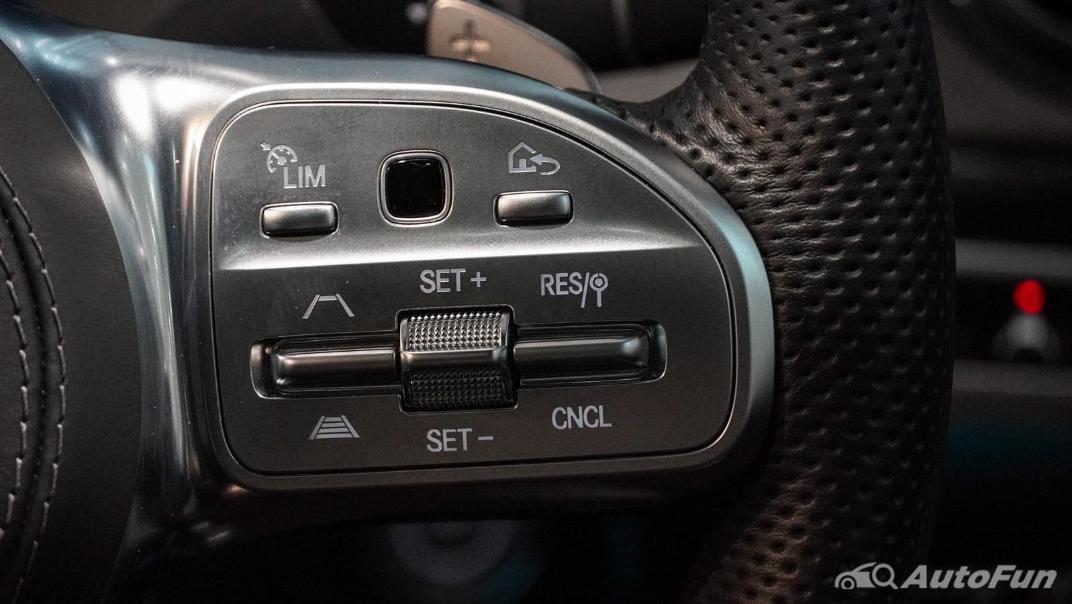 Mercedes-Benz S-Class S 560 e AMG Premium Interior 008