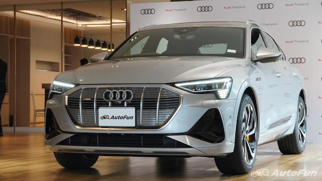2020 Audi E Tron Sportback 55 quattro S line Exterior 009
