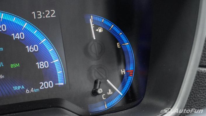 2020 Toyota Corolla Cross 1.8 Hybrid Premium Safety Interior 005