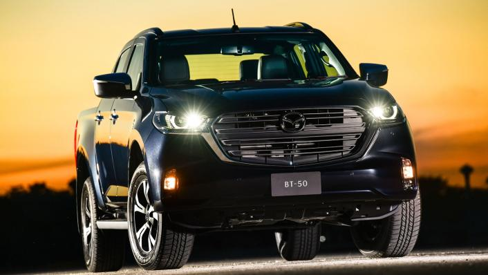2021 Mazda BT-50 Double cab Upcoming Version Exterior 002