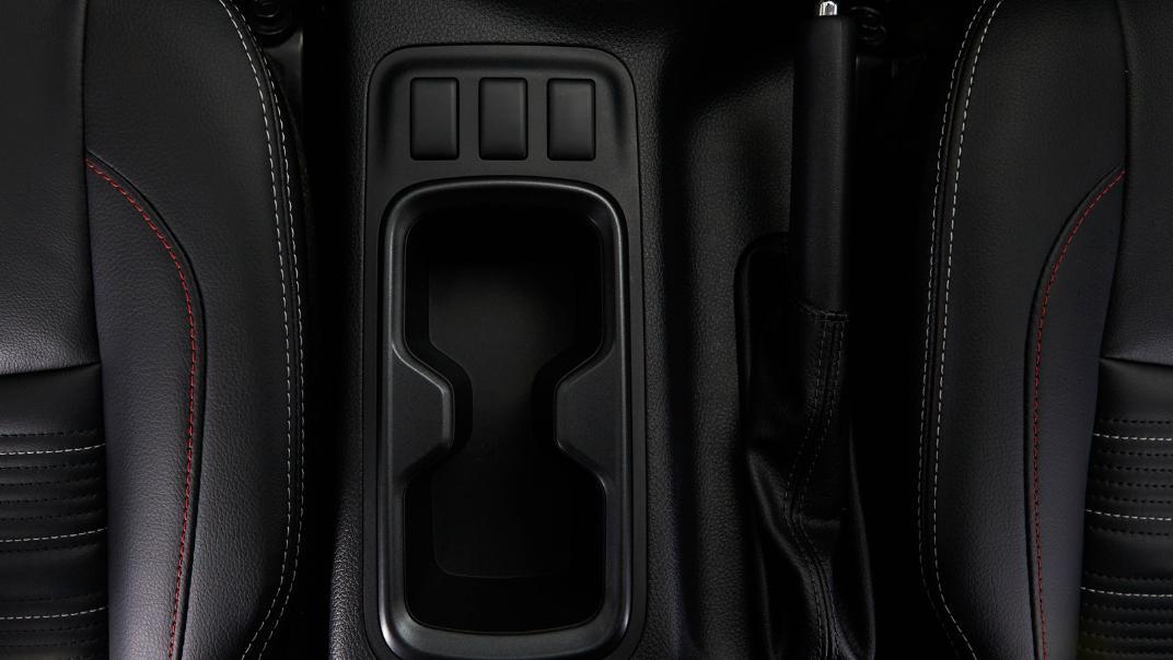2021 Nissan Navara PRO-4X Interior 079