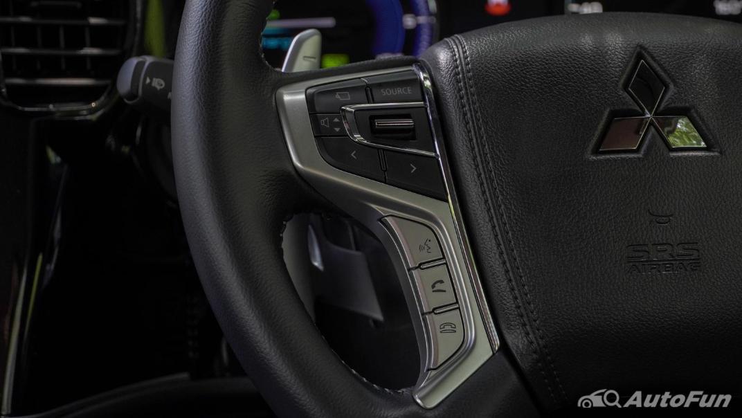 2021 Mitsubishi Outlander PHEV GT-Premium Interior 008