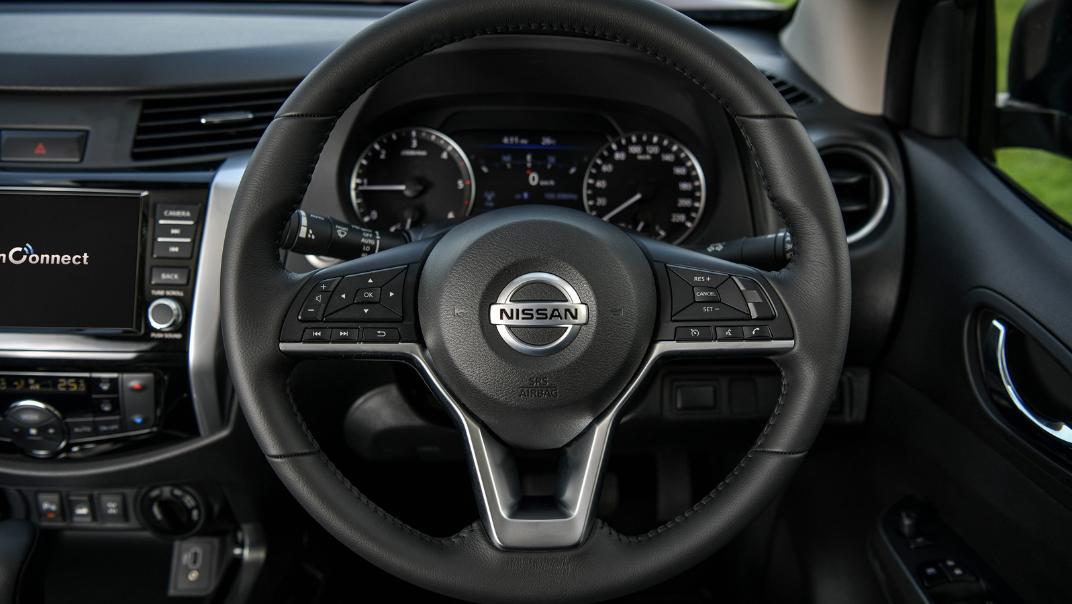 2021 Nissan Navara Double Cab 2.3 4WD VL 7AT Interior 060