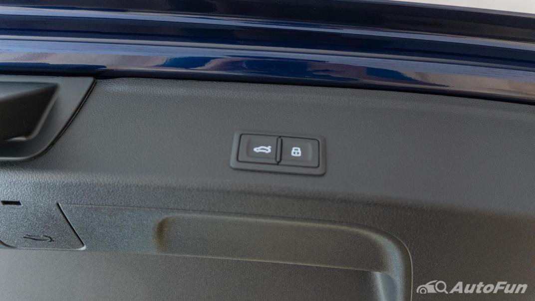 2020 Audi A4 Avant 2.0 45 TFSI Quattro S Line Black Edition Interior 108