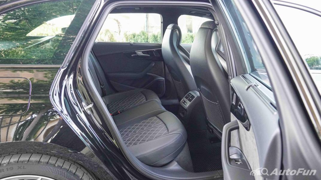 2020 Audi A4 Avant 2.0 45 TFSI Quattro S Line Black Edition Interior 050