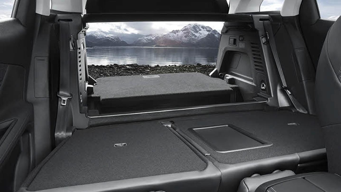 Peugeot 3008 2020 Interior 010