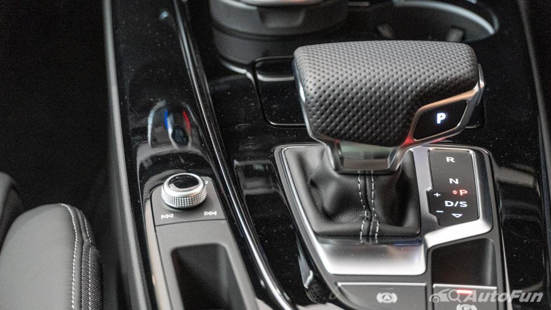 2020 Audi A4 Avant 2.0 45 TFSI Quattro S Line Black Edition Interior 093