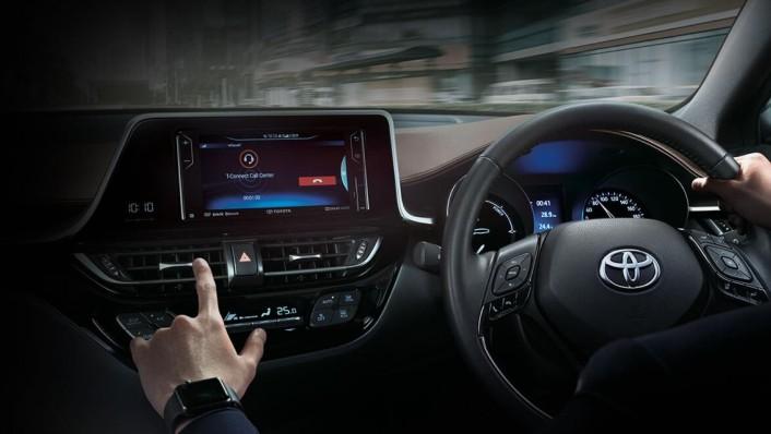 Toyota C-HR 2020 Interior 003