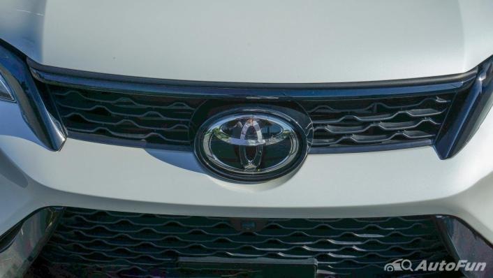 2020 Toyota Fortuner 2.8 Legender 4WD Exterior 010