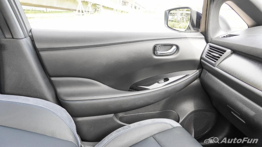 2020 Nissan Leaf Electric Interior 043