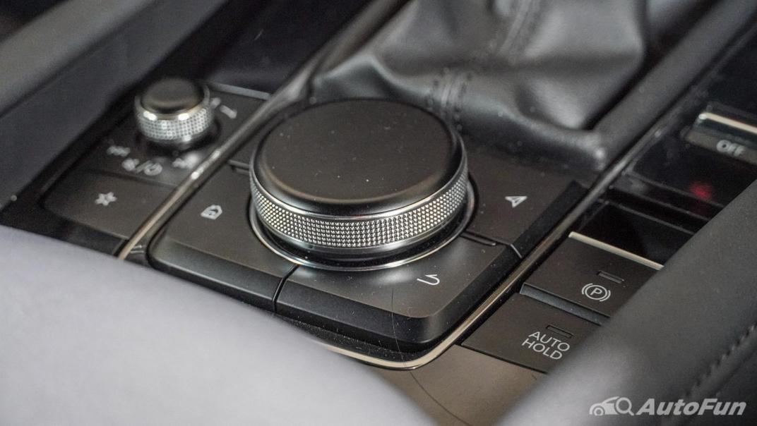 2020 Mazda 3 Fastback 2.0 SP Sports Interior 025
