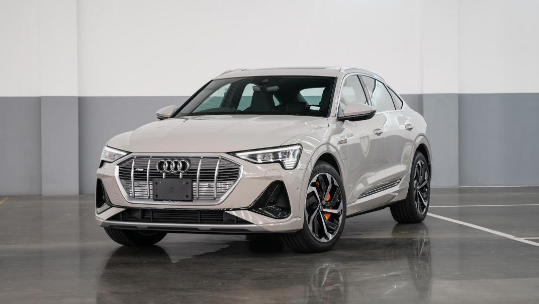 2020 Audi E Tron Sportback 55 quattro S line Exterior 050