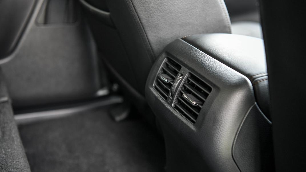 Nissan Navara 2021 Interior 033