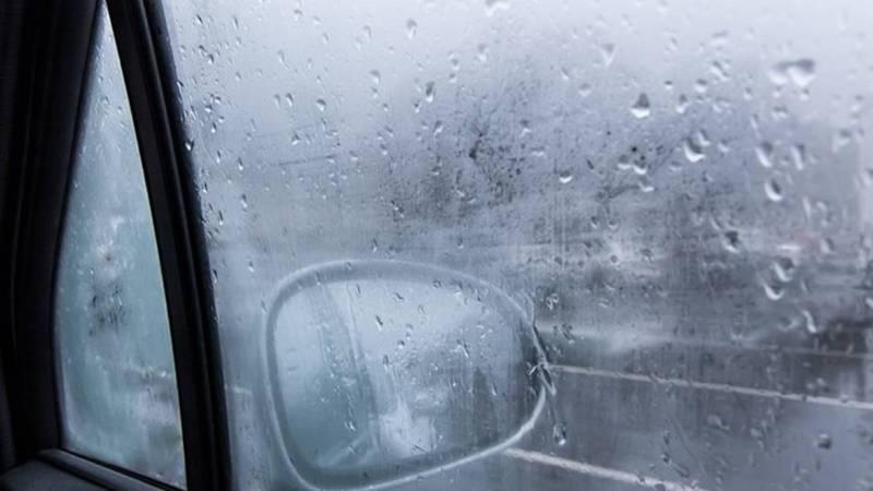 กระจกเป็นฝ้าเกิดจากอะไร? รวมวิธีแก้ไขและป้องกันง่าย ๆ ไม่บังทางในหน้าฝน 02