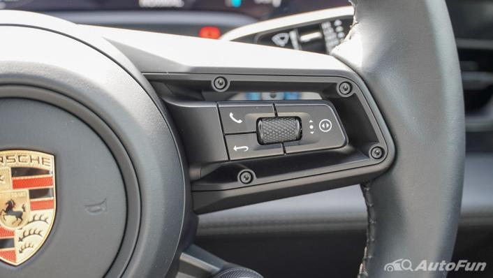 2020 Porsche Taycan Turbo Interior 010