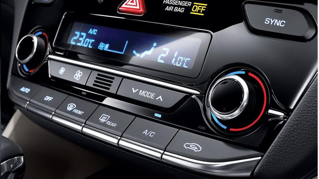 Hyundai Ioniq 2020 Interior 003