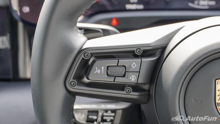 2020 Porsche Taycan Turbo Interior 009