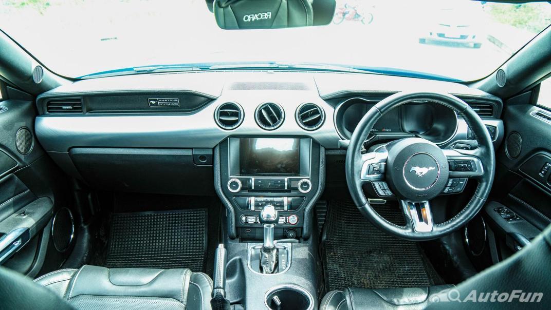 2020 Ford Mustang 5.0L GT Interior 001