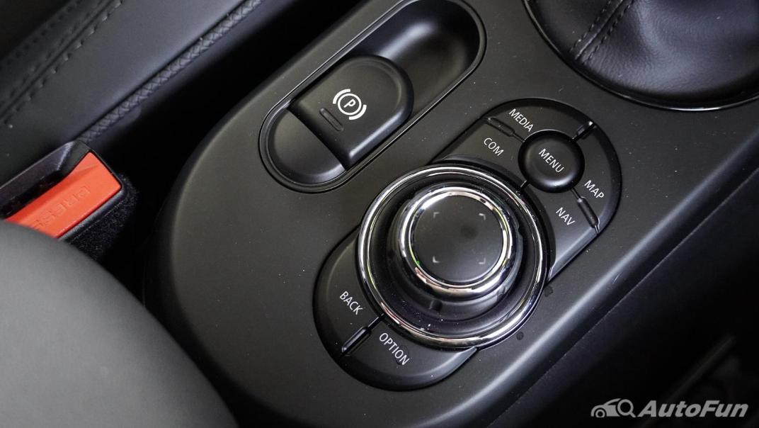 2021 MNI 3-Door Hatch Cooper S Interior 027
