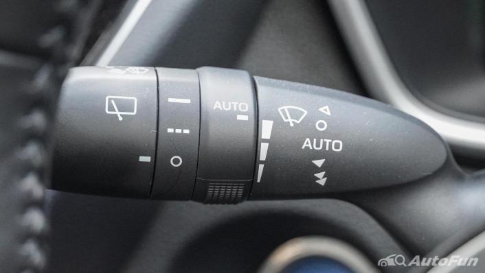 2020 1.8 Toyota Corolla Cross Hybrid Premium Safety Interior 008