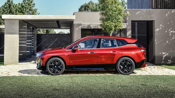 2021 BMW iX xDrive50 Sport Exterior 006