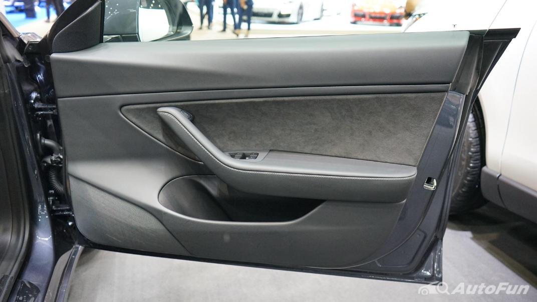2021 Tesla Model 3 Performance Interior 012