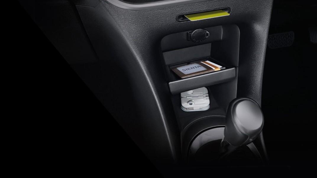 Toyota Sienta 2020 Interior 014