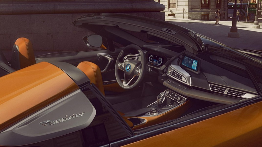 BMW I8-Roadster Public 2020 Interior 003