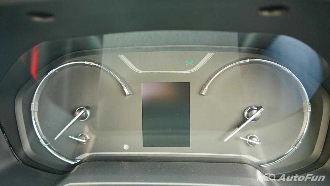 2021 MG Extender Interior 006