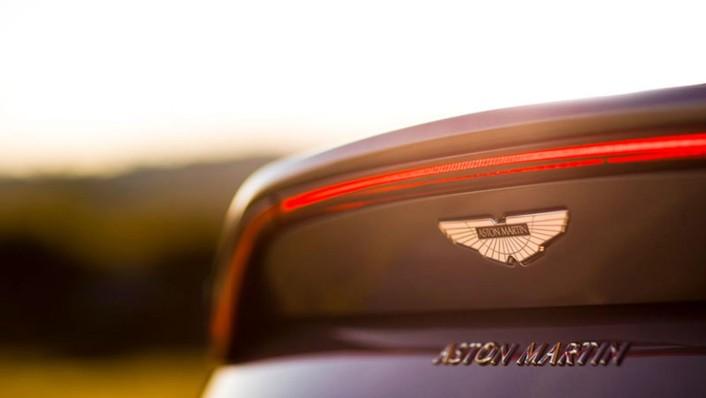 Aston Martin V8 Vantage 2020 Exterior 010
