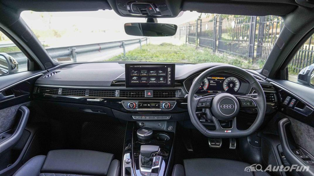 2020 Audi A4 Avant 2.0 45 TFSI Quattro S Line Black Edition Interior 001
