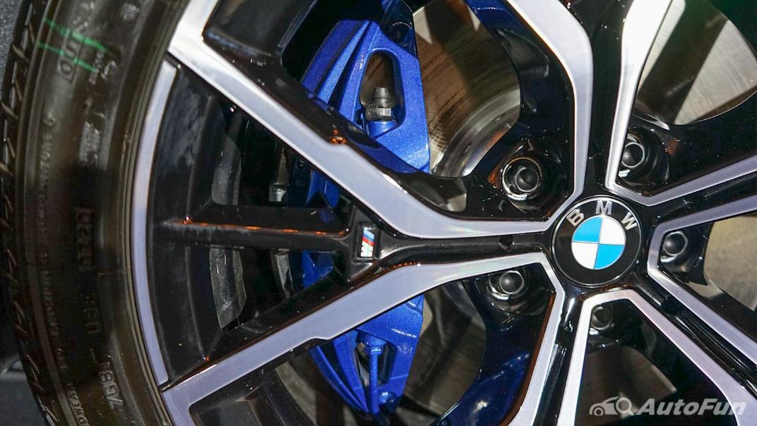 2021 BMW 5 Series Sedan 530e M Sport Exterior 022