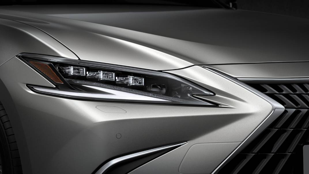 2021 Lexus ES 300h Premium Exterior 004