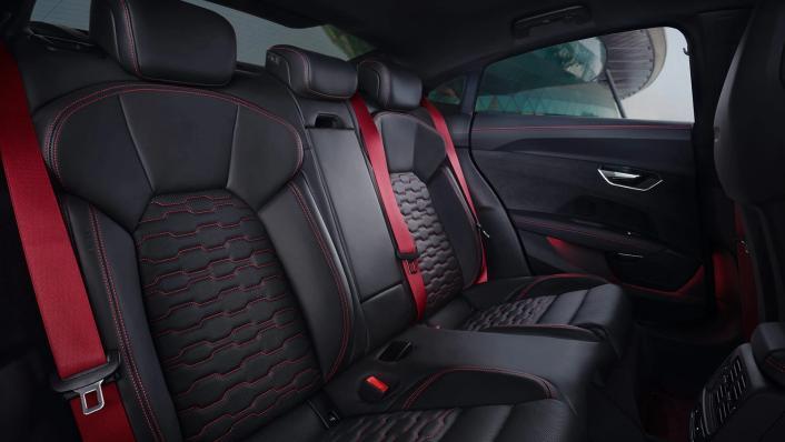 2021 Audi RS e-tron GT quattro Interior 005