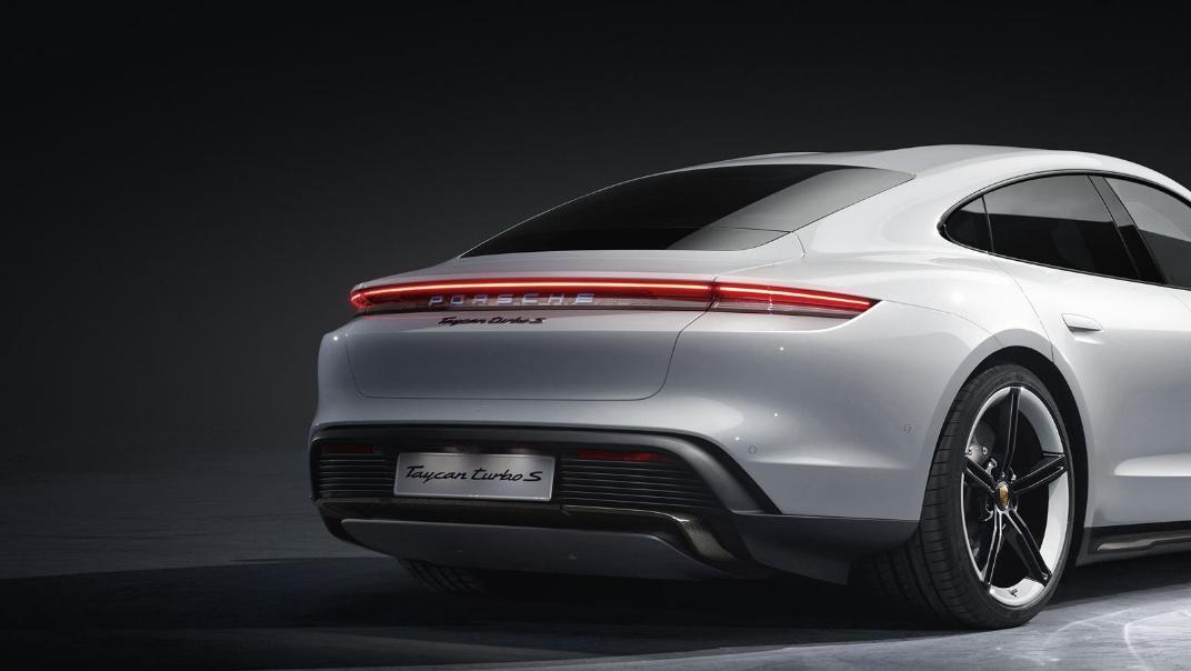 2020 Porsche Taycan Exterior 005