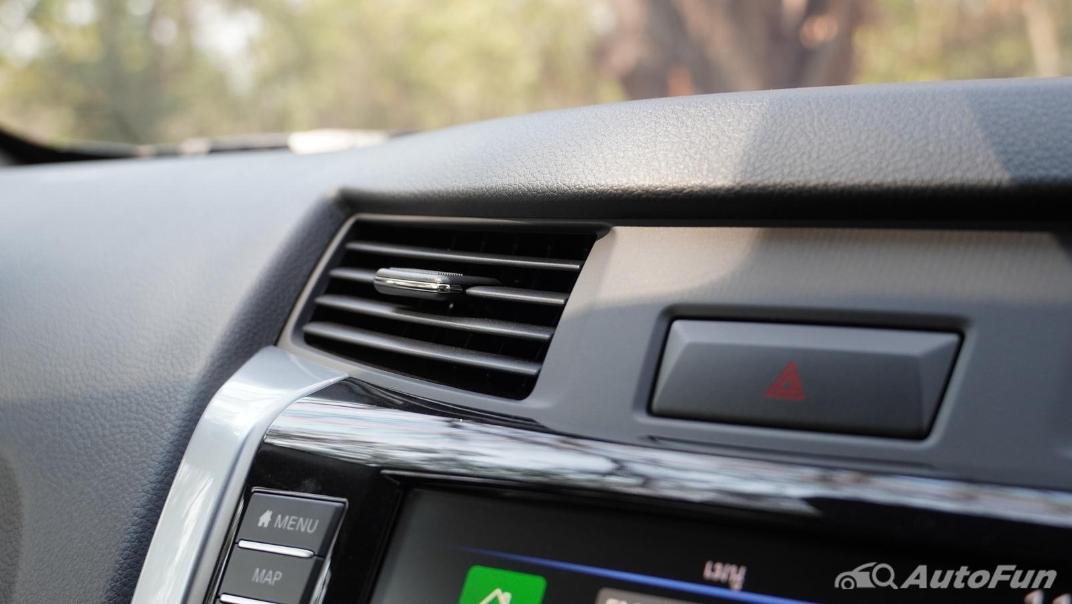 2021 Nissan Navara Double Cab 2.3 4WD VL 7AT Interior 020