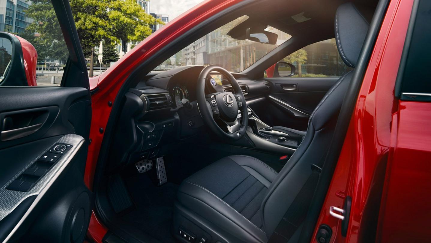 Lexus CT 2020 Interior 004