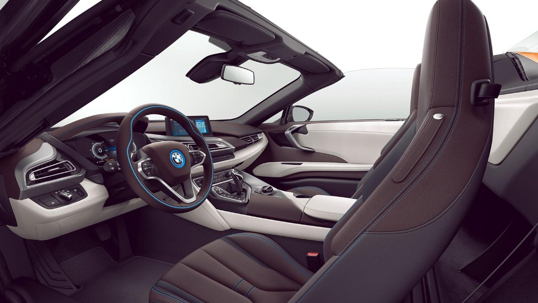 BMW I8-Roadster Public 2020 Interior 007