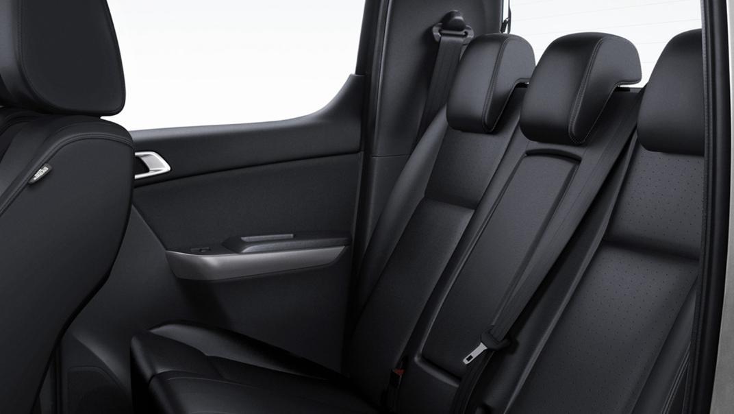 Mazda BT-50 Pro 2020 Interior 009