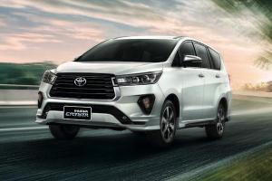 2021 Toyota Innova Crysta เปิดตัวจะสู้ Mitsubishi Xpander ได้หรือไม่?
