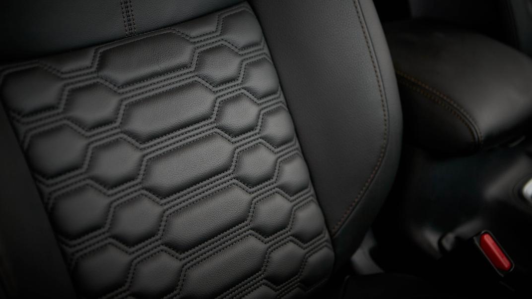 2021 Nissan Navara Double Cab 2.3 4WD VL 7AT Interior 081