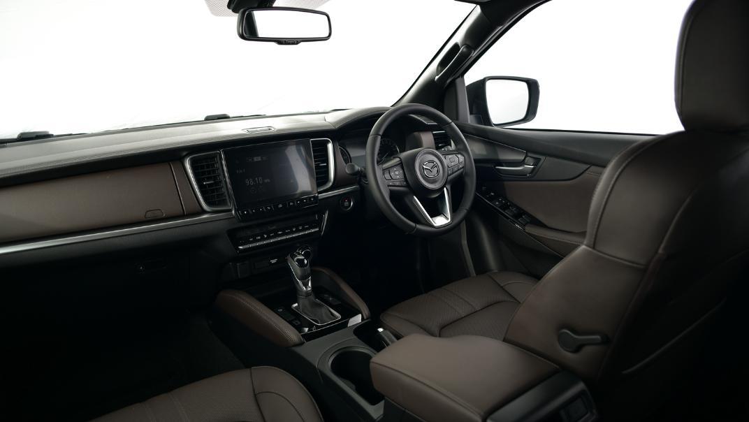 2021 Mazda BT-50 Double cab Upcoming Version Interior 001
