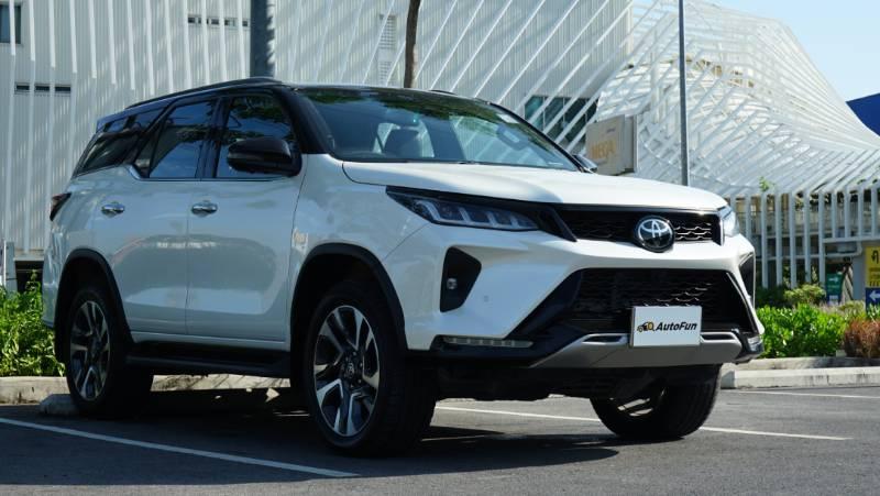 Rendered : 2022 Toyota Fortuner GR Sport แปลงหน้า PPV ให้เป็นรถแข่งแบบ MU-X Sport 02