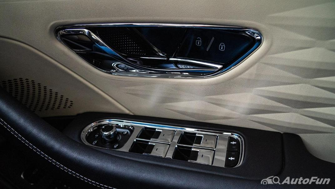 2020 Bentley Flying Spur 6.0L W12 Interior 010