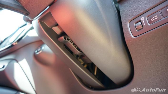 2020 Volvo XC 40 2.0 R-Design Interior 009
