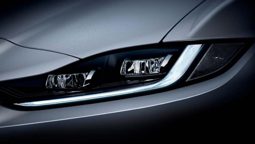 Jaguar XE 2020 Exterior 002