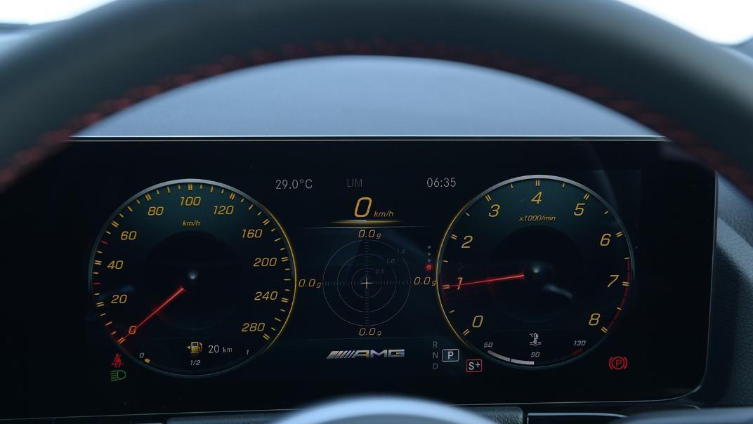 2021 Mercedes-Benz GLA-Class 35 AMG 4MATIC Interior 014